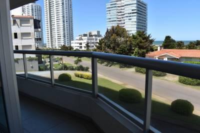 Edificio nuevo, gran terraza,parrillero, piscina,  garage doble