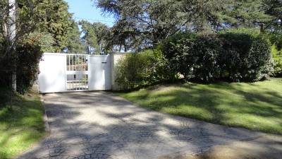 Amplia casa en zona ideal para vivir todo el año