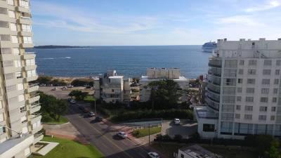 Apartamento Reciclado Con Vista Al Mar Edificio Fragata La mansa Punta del Este