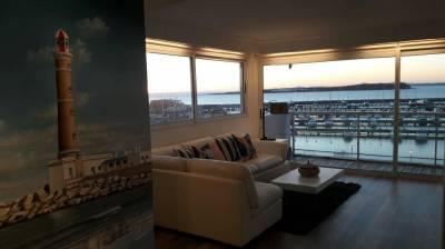 Excelente apartamento con vista al puerto en Punta del Este