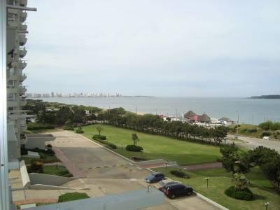 Apartamento EN EDIFICIO GOLETA  Playa Mansa - Punta del Este