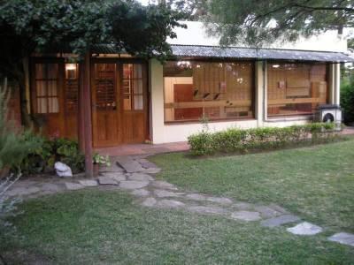 EN VENTA Y ALQUILER TEMPORADA Casa en el Corazón de San Rafael y a 2 cuadras del Mar- Punta del Este