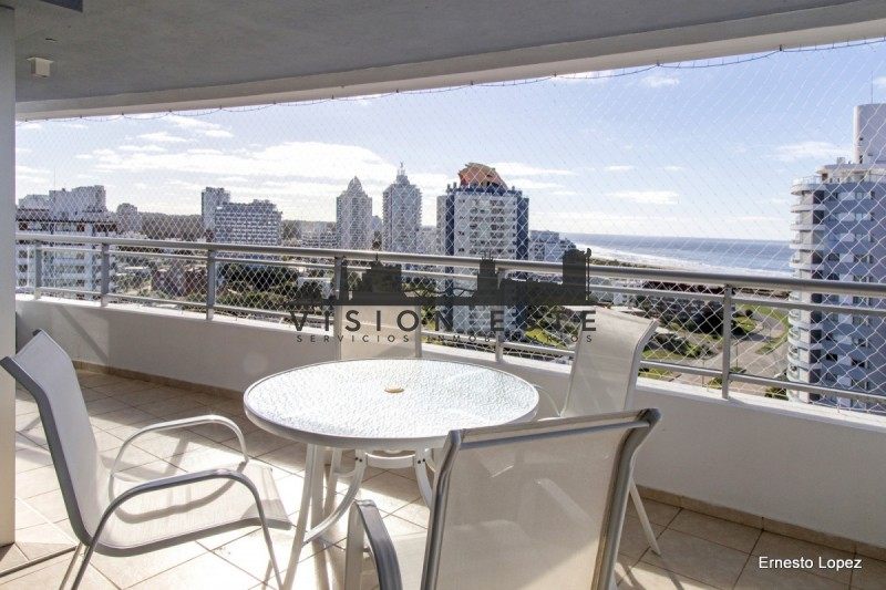 Apartamento ID.284 - Departamento en Punta del Este, piso alto con vista al mar a la Brava