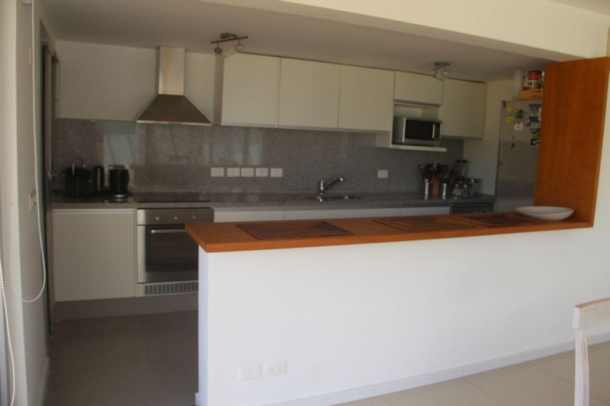 Casa ID.387 - Casa en alquiler playa brava a metros del mar