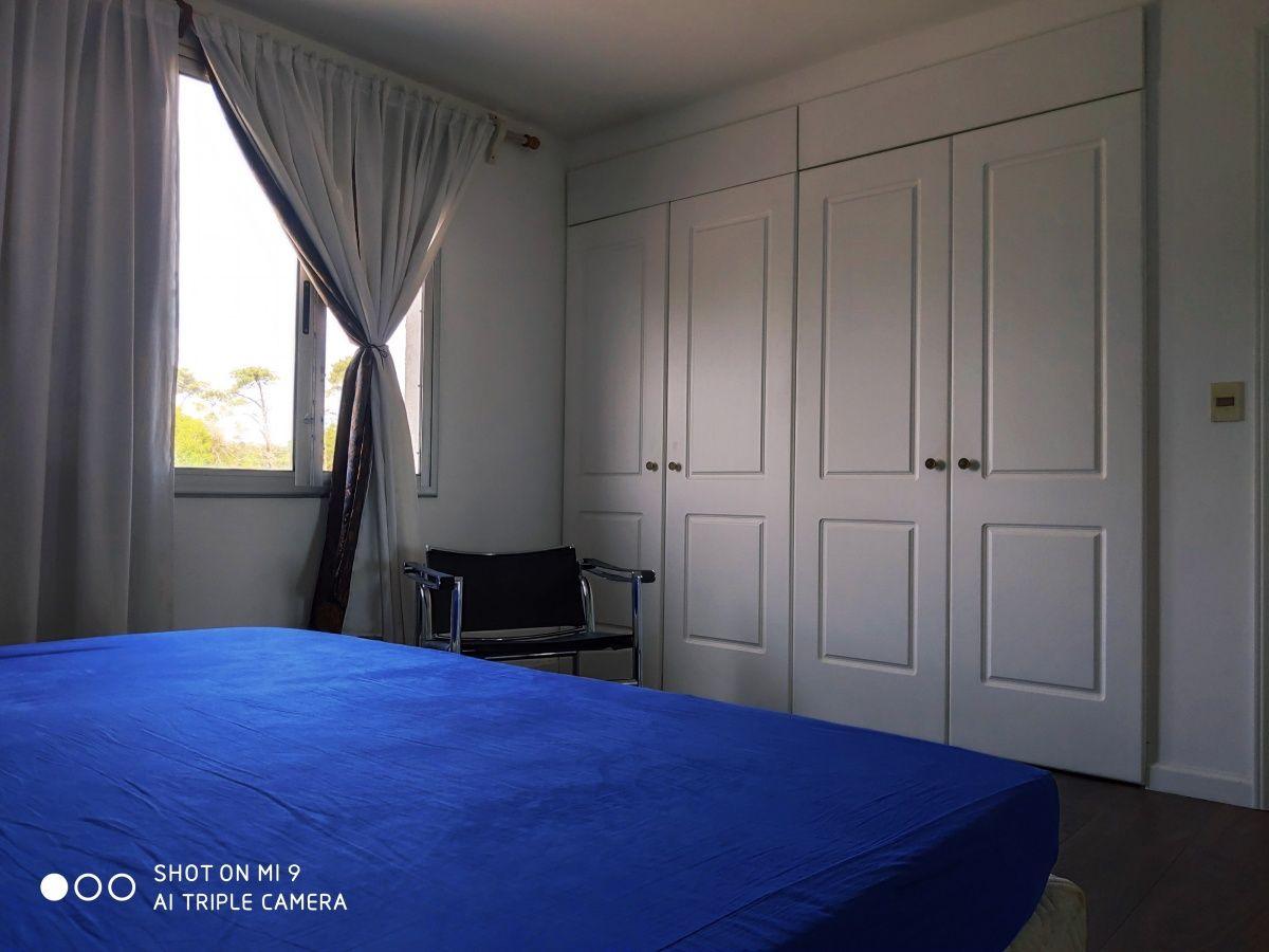 Casa ID.462 - Venta de dos Casas en Playa Mansa