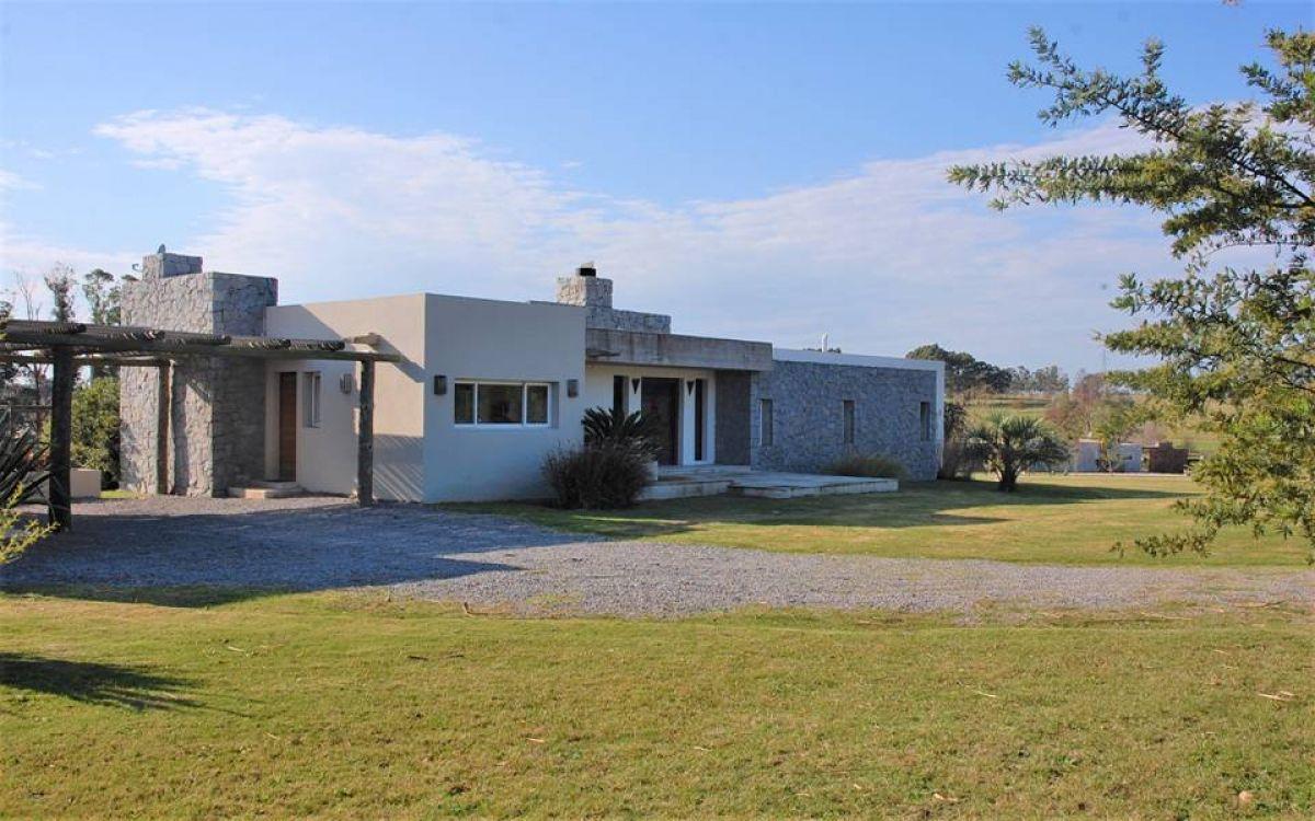 Casa ID.18 - Casa en Venta de muy buena construcción en El Quijote