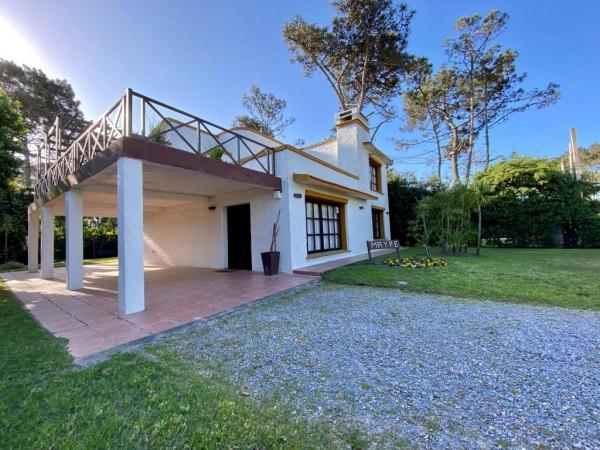 Casa  en Punta del Este Pinares de 4 Dormitorios