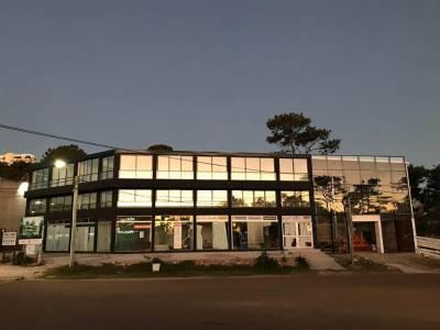 Apartamento en venta en zona Punta Shopping