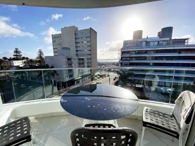 Apartamento penthouse a pasos del puerto Punta Del Este 2 dormitorios