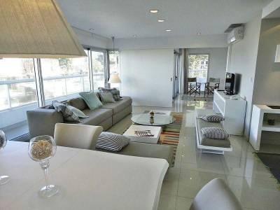 Apartamento en venta y alquiler temporario Punta Del Este 3 dormitorios