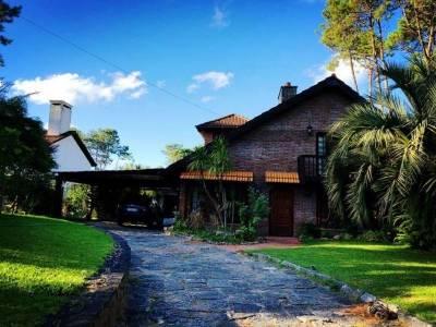 Casa en venta Pinares 4 dormitorios