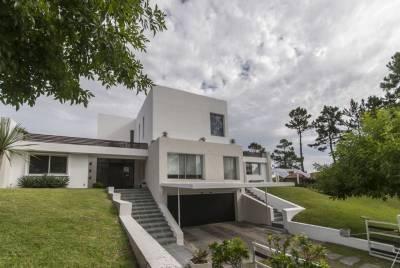 Casa en venta Pinares 5 dormitorios