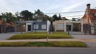 Casa a estrenar en venta en Pinares!!