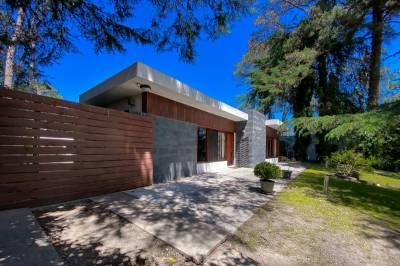 Casa en venta Lugano 3 dormitorios