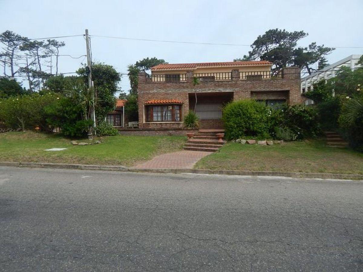 Casa ID.2558 - Casa en Punta del Este, Mansa | Sagasti Inmobiliaria Ref:2558