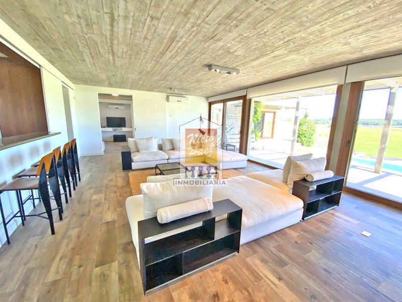 Casa ID.34647 - Barrio privado, moderna casa de lujo, todo nuevo.