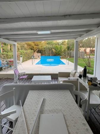 Casa Venta o Alquiler en Punta del Este Camino Eguzquiza de 2 Dormitorios