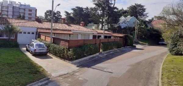 Casa  en Punta del Este Mansa de 3 Dormitorios