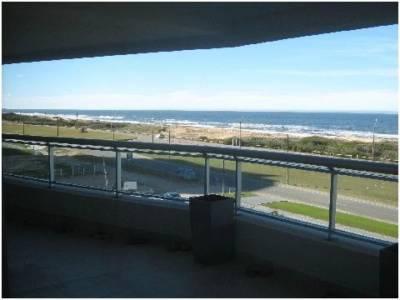 Venta Apartamento 3 Dormitorios, Playa Brava, Punta del Este