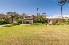 Venta Casa 4 Dormitorios, Playa Mansa, Punta del Este
