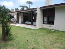 Venta Casa 3 Dormitorios, Playa Mansa, Punta del Este