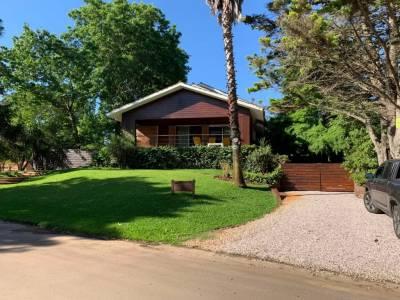 Venta Casa 5 Dormitorios, Solanas-Punta Ballena, Maldonado