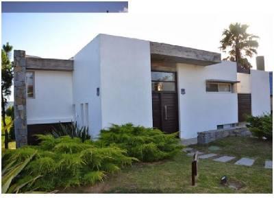 Venta Casa 5 Dormitorios, Punta Piedras, Manantiales.