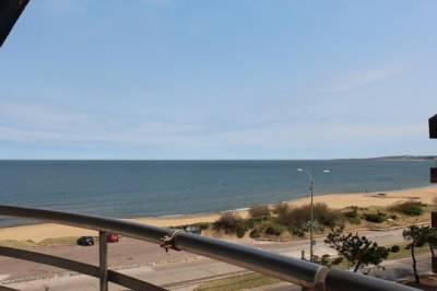 Primera linea Playa Mansa