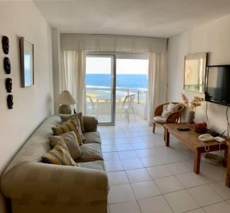 Apartamento, terraza con vista al mar en Playa Brava.