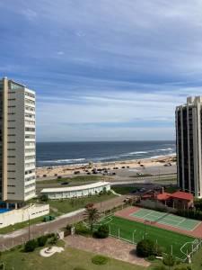 Frente a Playa Brava,