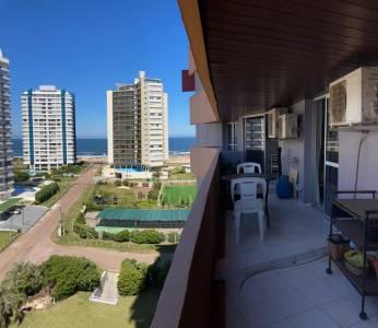 Amplio y luminoso apartamento, terraza con vista al mar