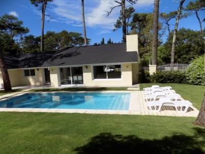 Hermosa residencia a pocas cuadras de la playa
