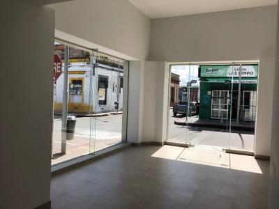 Local en pleno centro comercial de Maldonado