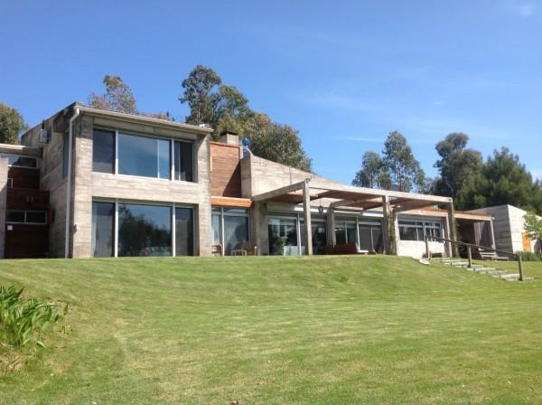 Casa Venta o Alquiler en Punta del Este La Barra de 5 Dormitorios