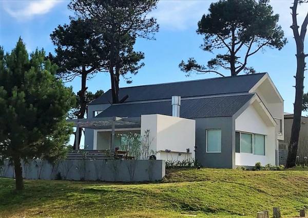 Casa Venta o Alquiler en Punta del Este Pinar del Faro de 5 Dormitorios