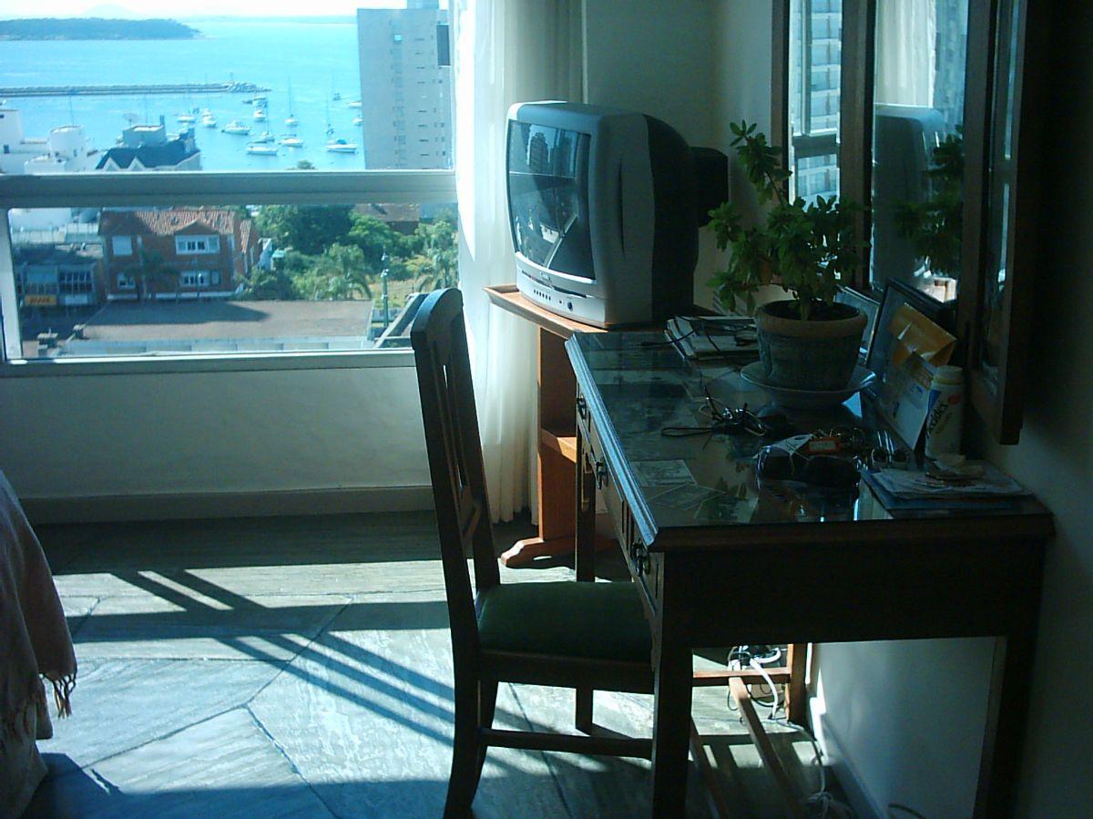Apartamento ID.1060 - CON EXCELENTE VISTA AL MAR