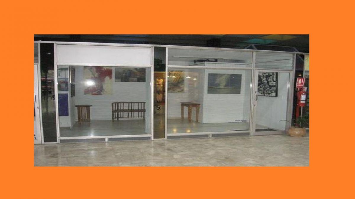 Local Comercial ID.3187 - Local en Punta del Este, Peninsula
