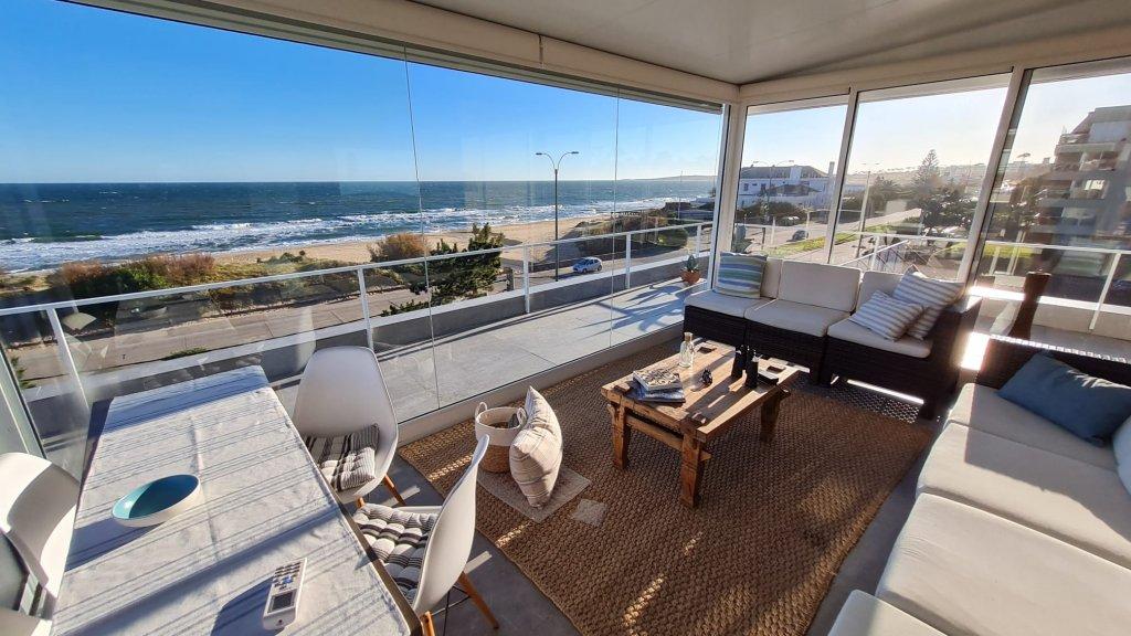 Casa ID.371 - Exclusivísima Residencia de 3 pisos Frente al Mar