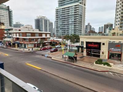 Venta apartamento de dos dormitorios en Punta del Este