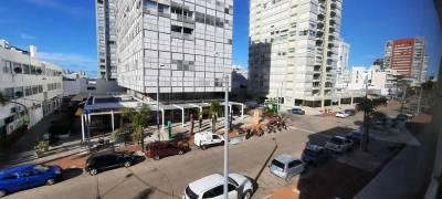 Venta de apartamento de tres dormitorios en Punta del Este