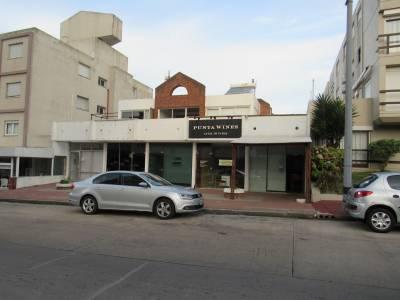Local con vivienda en calle 24