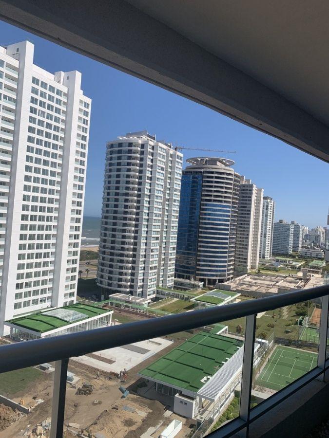 Apartamento ID.26 - Venta apartamento 3 dormitorio y servicio en torre premium
