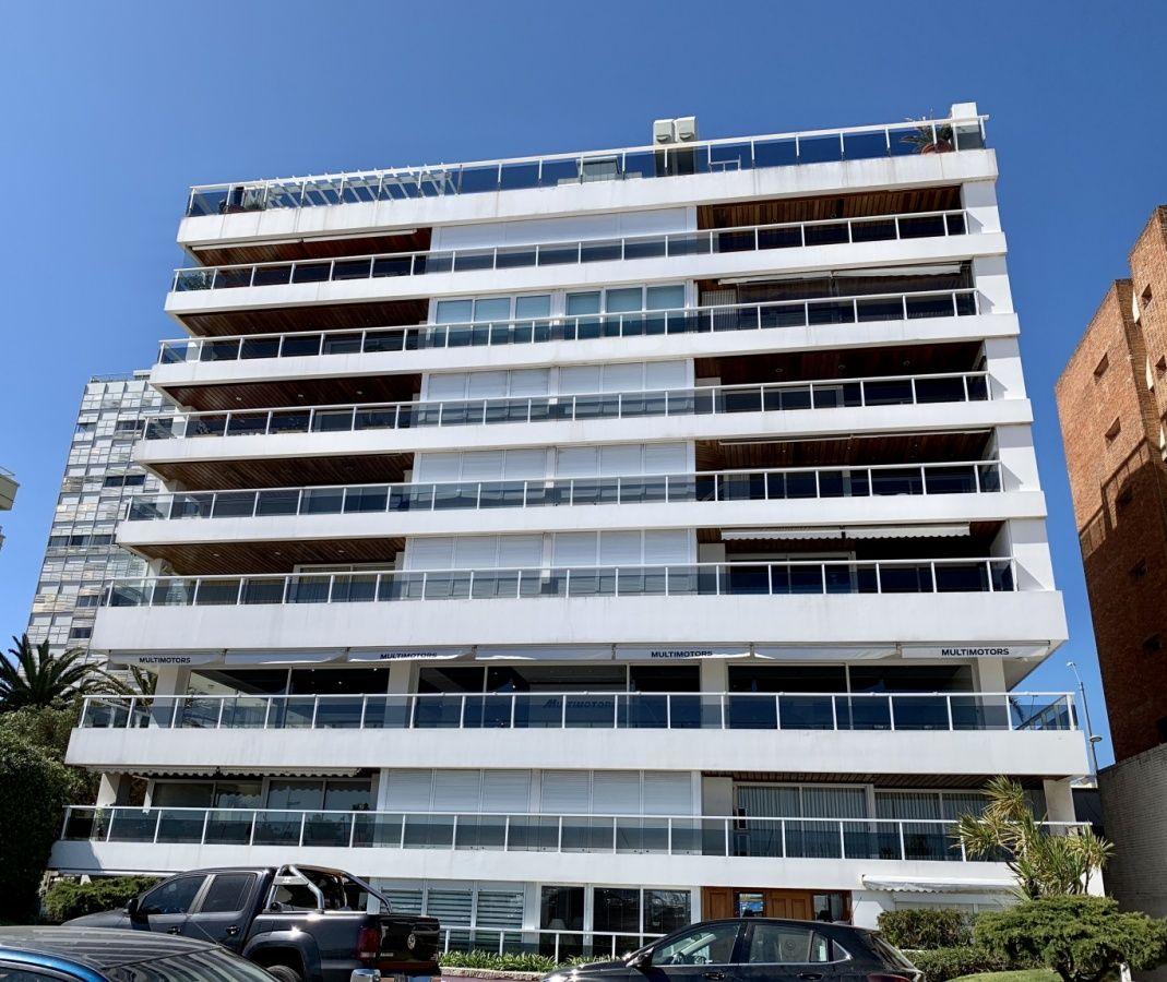 Apartamento ID.14 - Venta apartamento 4 suites  frente al puerto