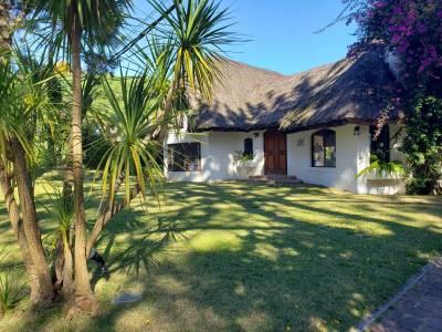 Venta - Casa 3 dormitorios - Pinares - Bien ubicada - Gran Parque