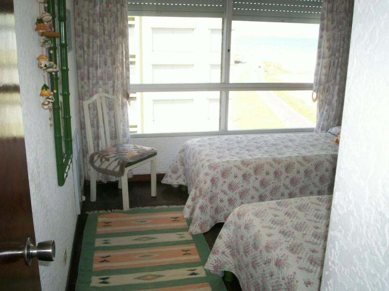 Apartamento ID.1571 - Excelente ubicación frente al mar