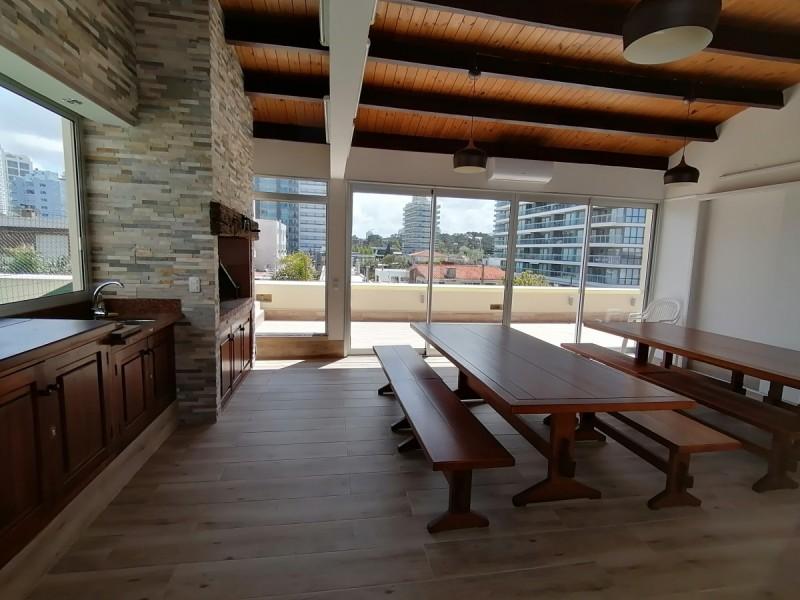 Apartamento ID.1745 - Muy lindo apartamento a dos cuadras de la Brava y a tres de la Mansa
