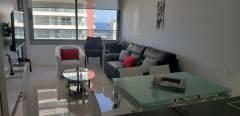 Moderno apartamento con preciosa terraza y vista despejada en edificio con todos los servicios.