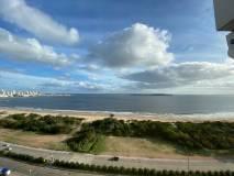 Mansa vista directa al mar