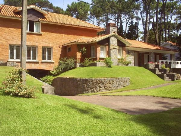Casa Venta o Alquiler en Punta del Este Golf de 6 Dormitorios