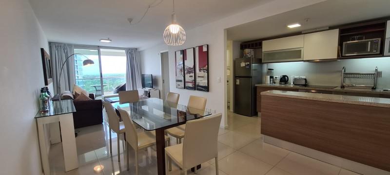 Vendo apartamento 3 dormitorios, excelente ubicacion, zona Shopping, Punta del Este